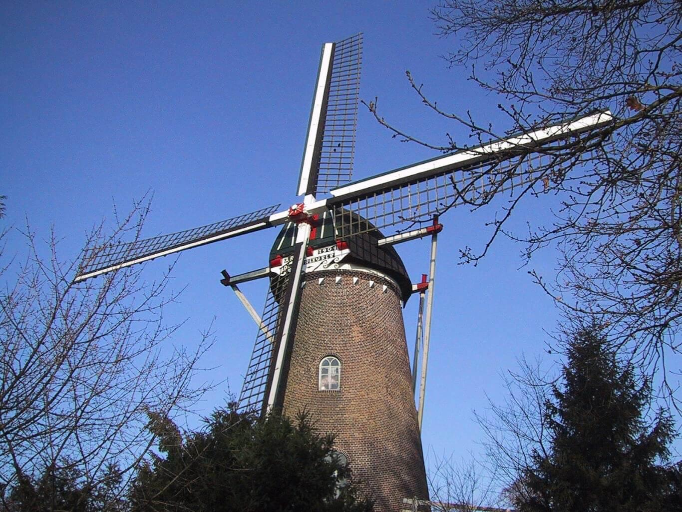 dutch-windmill-1506349